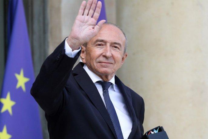 le prsident franais emmanuel macron a accept la dmission du ministre de lintrieur grard collomb et charg le premier ministre dassurer lintrim