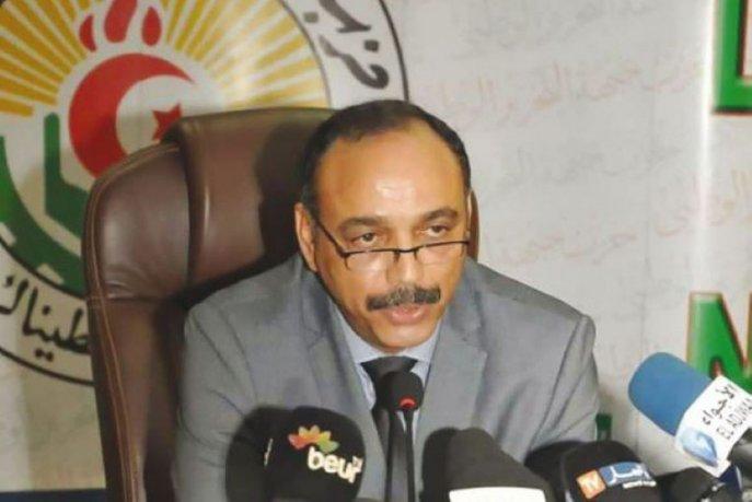 Algérie: le FLN de Bouteflika resserre les rangs