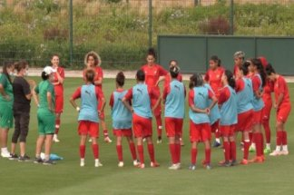 l-equipe-nationale-feminine-en-stage-de-preparation-a-maamoura